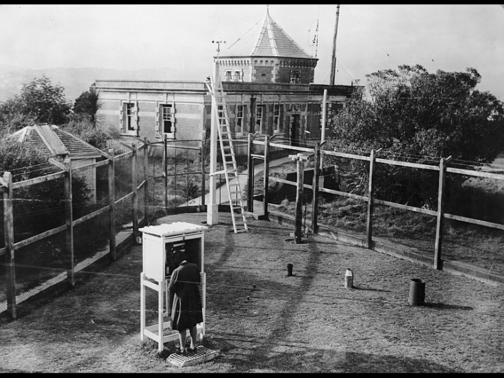Meteorological Enclosure, and Dominion Observatory on the Observatory Reserve, Botanic Garden, Kelburn, Wellington, 10 August 1945.